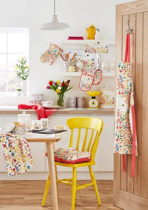 Cooksmart Bee Happy Tea Cosy-82495